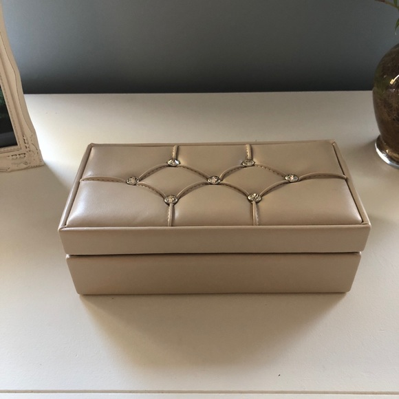 Tuscan Designs Jewelry Box.Nwt Tuscan Designs Jewelry Case Nwt